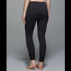 NWOT Lululemon Ebb to Street Leggings